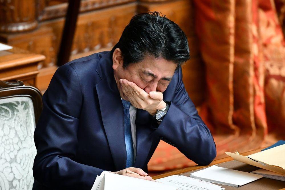 安倍総理の辞任は過剰労働が理由?実際の勤務時間を調査した結果